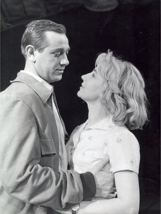 Príhoda na brehu rieky (1960), Karol Machata (Viktor), Mária Kráľovičová (Vaľa)