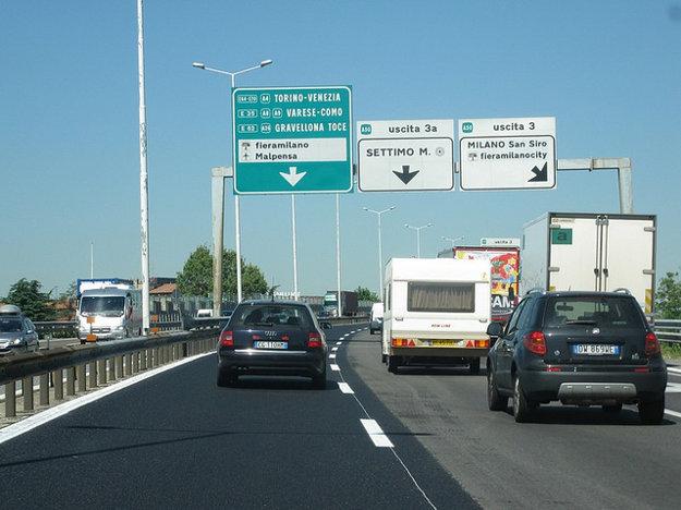 Na talianskych diaľniciach počítajte s hustou premávkou najmä v okolí veľkých miest