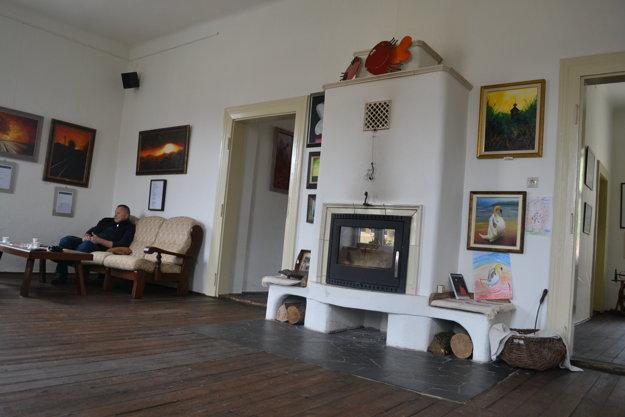 V priestoroch galérie bola v minulosti známa krčma Blum.