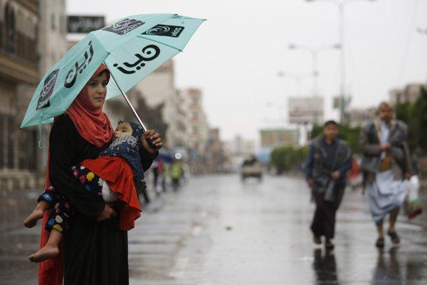 V Jemene zahynulo pri povodniach a búrkach 17 ľudí