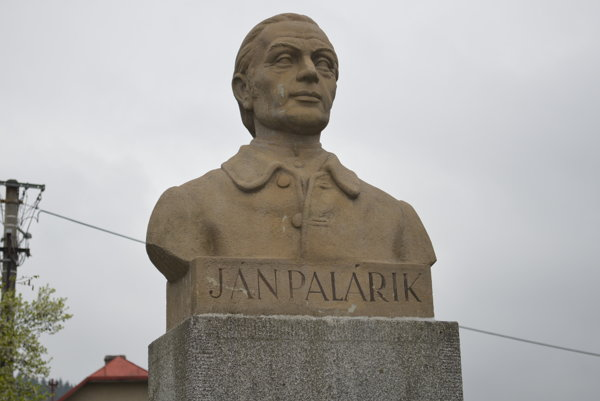 Busta Jána Palárika si našla nové miesto.