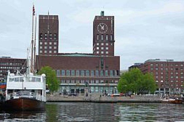Oslo sa po celé stáročia volalo Kristiánia podľa kráľa Kristiána IV., ktorý dal Oslo po veľkom požiari z roku 1624 prestavať. K svojmu pôvodnému názvu sa vrátilo až v roku 1924.