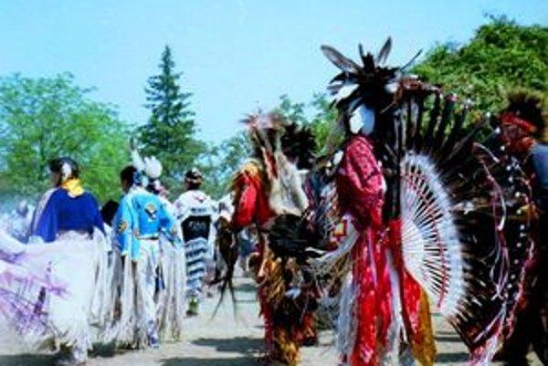 Indiáni zabávajú turistov