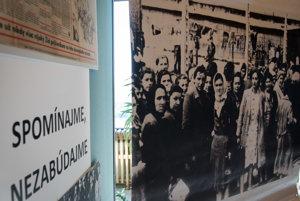 Ukážka z fotografickej výstavy - deportácie židovských občanov.