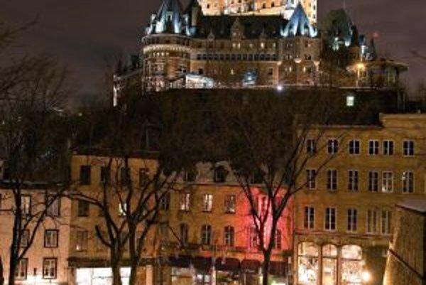 Dominanta Quebecu - zámok Frontenac, v ktorom vždy bol a aj je hotel.