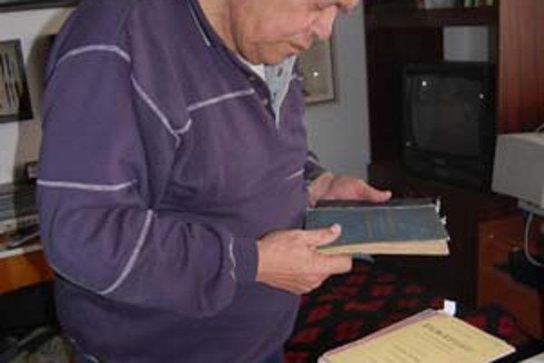 Branko Stapar má v zbierke niekoľko unikátov – napríklad aj prvý bedeker o Dubrovníku.