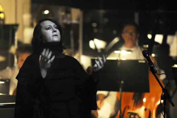 ANOHNI bude odrónoch aamerických tajných službách spievať vlete na festivale Colours of Ostrava.