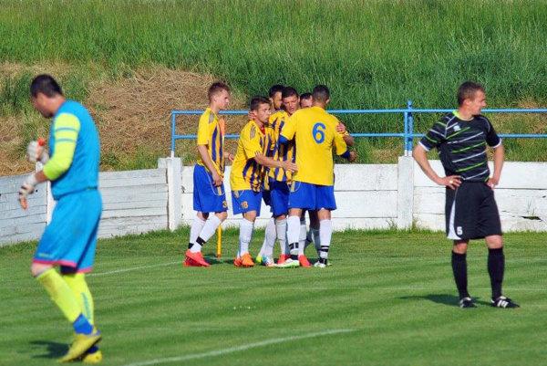 Futbalisti Vrábeľ sa v zápase s V. Ludincami tešili z jediného gólu, ale ten im stačil na zisk troch bodov.