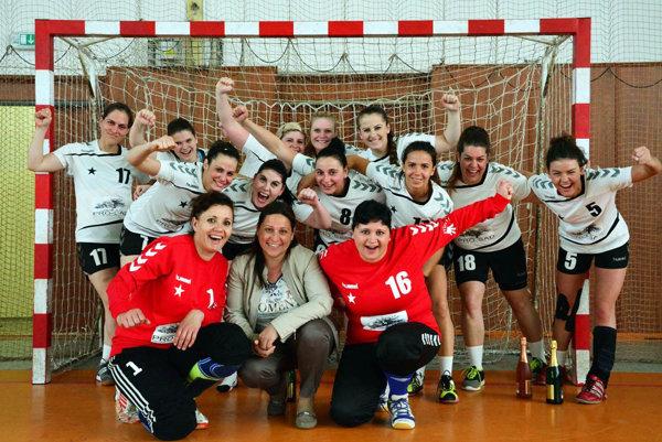Hádzanárky Serede vyhrali druhú ligu a v novej sezóne si tak zahrajú vo vyššej súťaži.
