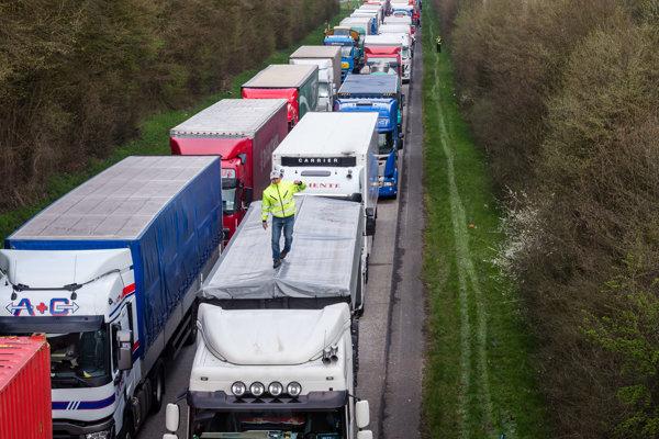 Vodičov kamiónov začína byť málo aj v Západnej Európe.