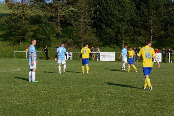 V šlágri VII. ligy juh chýbali góly. Polianka - Brestovec 0:0.