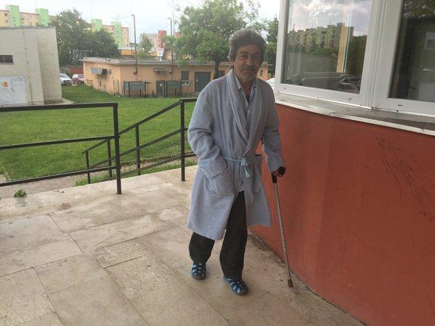 Dušan z Kosihoviec nie je spokojný s nemocničnou stravou.