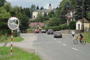 Dopravné zrkadlo pribudlo aj v Beňuši.