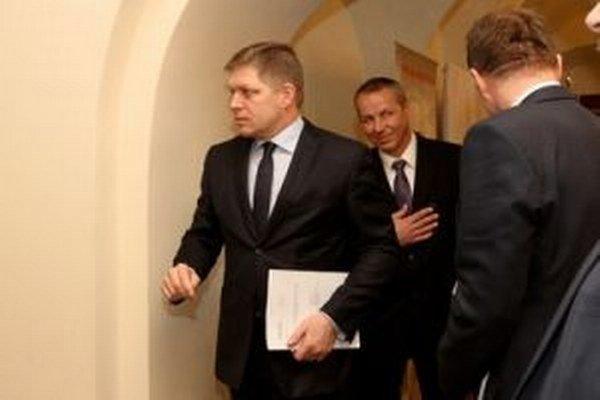 Robert Fico a primátor Banskej Bystrice Ján Nosko ( v pozadí)
