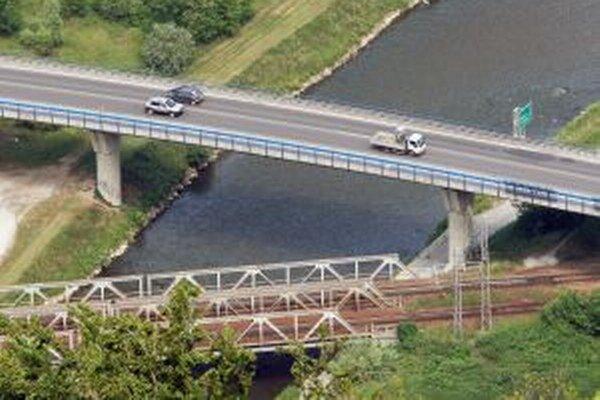 Doprava na frekventovanom moste bude obmedzená zhruba sedem týždňov.