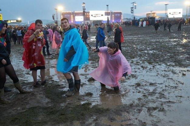 Búrkové fronty spôsobujú vrásky nielen stúpencom rockovej hudby na festivaloch Rock am Ring a Rock im Park.
