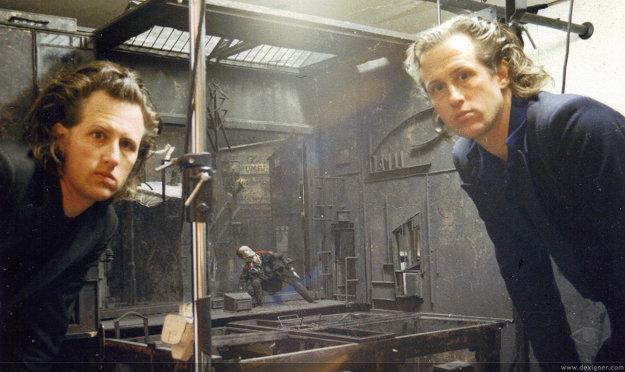 Dvojičky režiséri, bratia Quayovci.