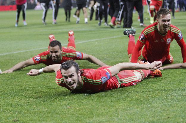 Takto sa futbalisti Walesu tešili z postupu na EURO.