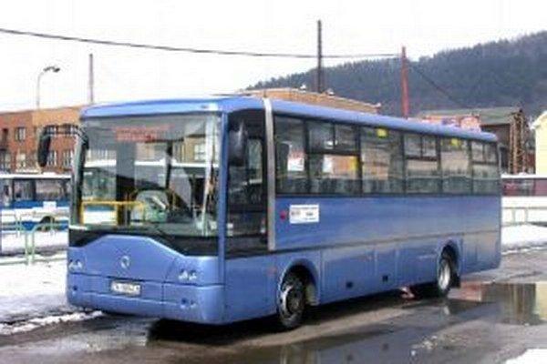Obnovu autobusového parku robila SAD v rokoch 2007-2009. Tento rok plánuje vymeniť štyri autobusy.