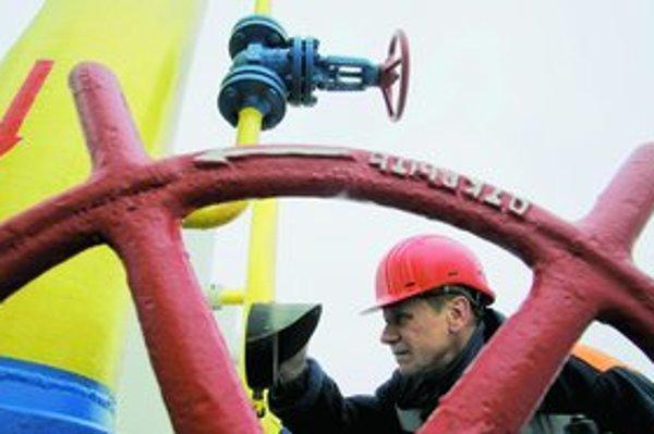 Ak Ukrajina nebude mať plyn, je veľmi reálne, že si ho doplní z dodávok, ktoré cez jej plynovod smerujú do Európy. Ohrozená je tak aj európska energetická bezpečnosť.
