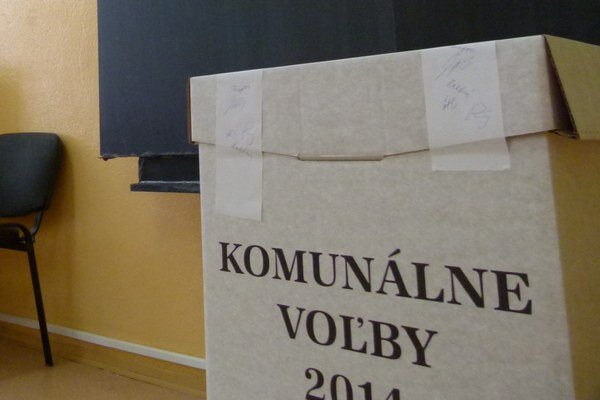Nezávislí kandidáti prevalcovali v troch mestách okresu kandidátov politických strán.