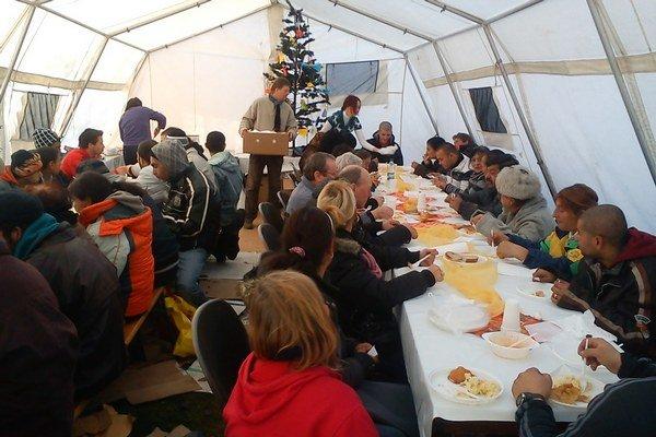 Na predvianočný obed, ktorý každoročne organizuje združenie Miesto v dome, očakávajú 23. decembra okolo 70 záujemcov.