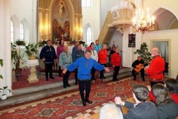Zborový spev Donských kozákov sa rozliehal v bátovskej gotickej bazilike.