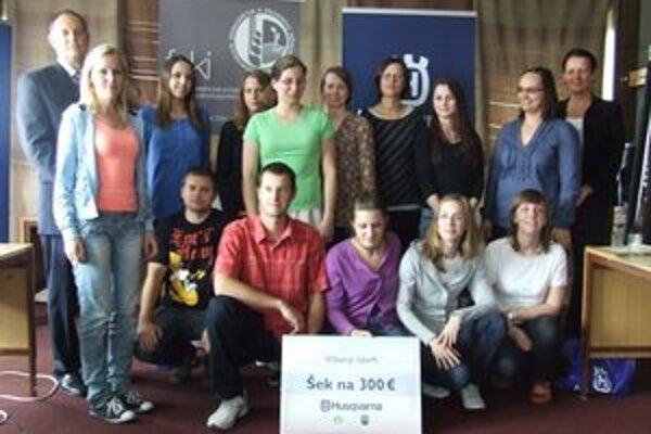 Starosta Santovky s účastníkmi projektu.