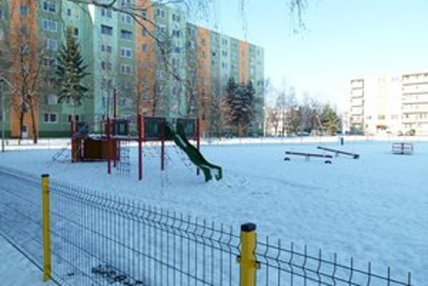 Jedno z nových detských ihrísk je v obytnom súbore Podlužianka.