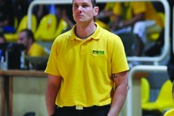 Peter Jankovič presedlá na ženský basketbal