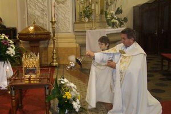 Relikvia svätého Cyrila v Kostole sv. Michala v Leviciach.