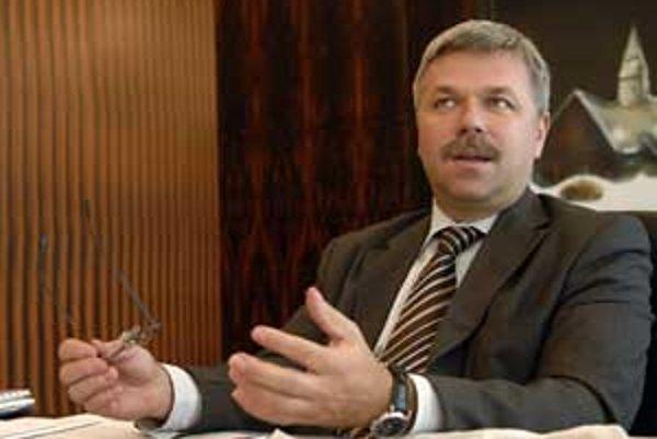 Guvernér národnej banky Ivan Šramko pred týždňom skúmanie úniku informácií odmietol