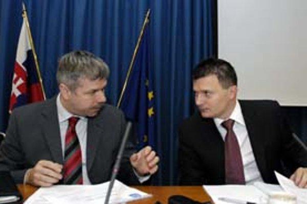 Guvernér Národnej banky Ivan Šramko podporil ministra Jána Počiatka