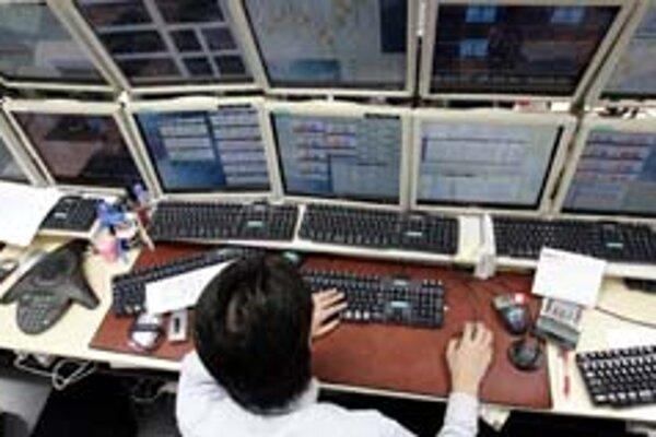 Niektorí účastníci devízového trhu údajne obchodujú aj na základe štatistických čísiel pred tým, ako sú oficiálne zverejnené.