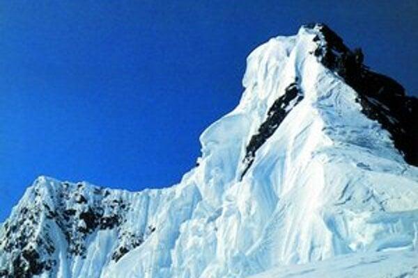Jeden z cieľov poľsko–slovenskej výpravy: Broad Peak. Hlavný vrchol je, ako keby menší, kým predvrchol (vpravo) majestátny.