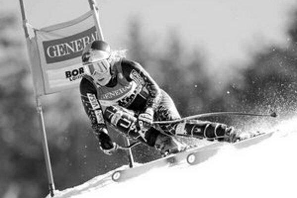 Američanka Lindsey Vonnová je na najlepšej ceste vyhrať Svetový pohár v zjazdovom lyžovaní.