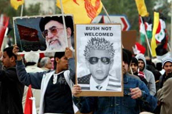 Návštevu Busha v Bahrajne sprevádzali aj protesty.