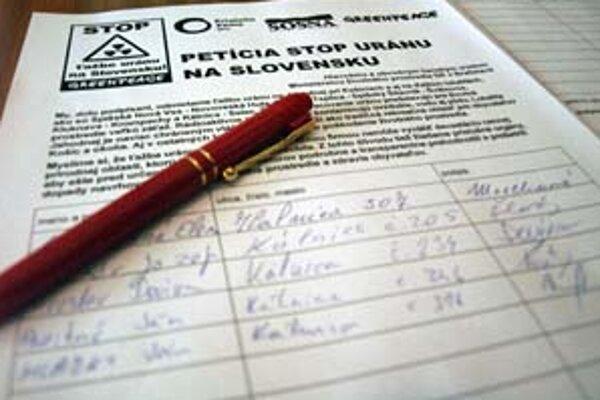 Petíciu Stop uránu podpísalo 54 tisíc ľudí. Ťažba uránu hrozí nielen v Trenčianskom kraji.