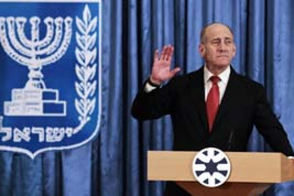 Izraelskému premiérovi Olmertovi sa rúca vláda.