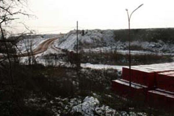 Neďaleko starej uzavretej skládky v Pezinku má vzniknúť nová proti vôli obyvateľov.