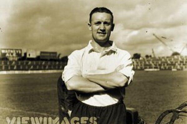 Legendárny britský útočník Tottenhamu Hotspur a Chelsey Vivian Woodward, ktorý bol kapitánom futbalovej reprezentácie Veľkej Británie na oboch víťazných olympiádach – v Londýne 1908 aj v Štokholme 1912.