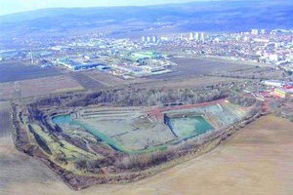 Nová skládka odpadov pre Bratislavský kraj má vzniknúť asi 400 metrov od centra mesta.