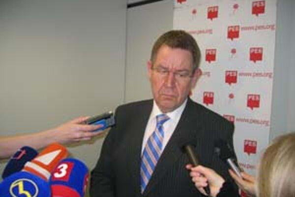 Šéf eurosocialistov Poul Nyrup Rasmussen oznámil, že Smer je na dobrej ceste.