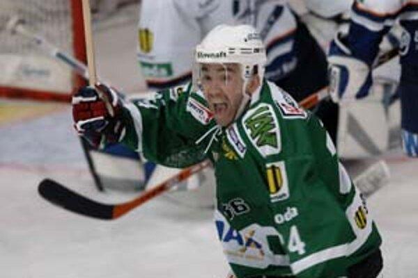 Najproduktívnejším hokejistom extraligy je Žigmund Pálffy, má 65 bodov.