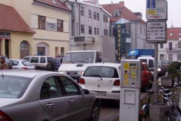 Parkovacie automaty z centra Trnavy zatiaľ nezmiznú.