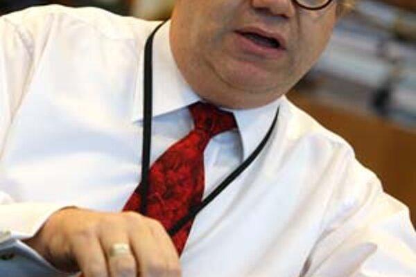 Len niekoľko viet od viceguvernéra Národnej banky Martina Barta stačilo, aby koruna prerazila starý rekord.