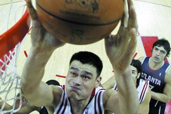 Šanghajčan Jao Ming, 28–ročný dlháň (229 cm), hviezda Houston Rockets, sa na OH 2008 tešil. Hovorí sa o ňom aj ako o vážnom kandidátovi na zapaľovanie olympijského ohňa.
