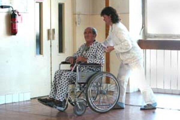 Kraj bude po novom finančne dotovať aj hospice a domy ošetrovateľskej starostlivosti.