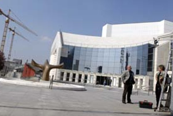 Na lístky do opery dáva divadlo často zľavy, lebo najdrahšie stoja až 1300 korún.