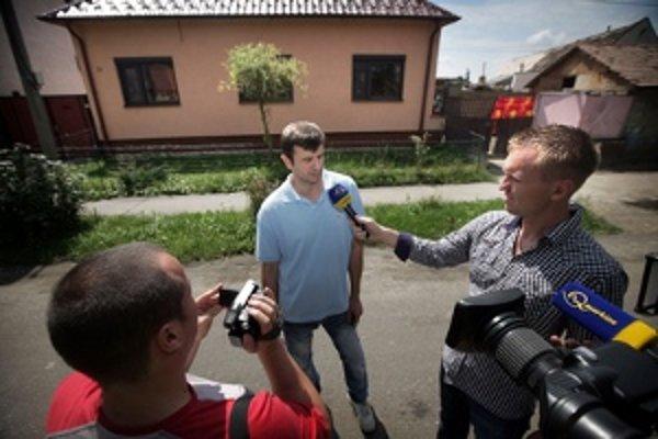 Oskara Dobrovodského rozhorčilo pokarhanie od Obvodného úradu v Malackách.